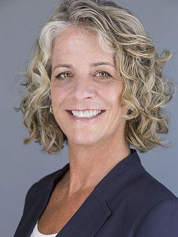 Jennifer Wollmann466